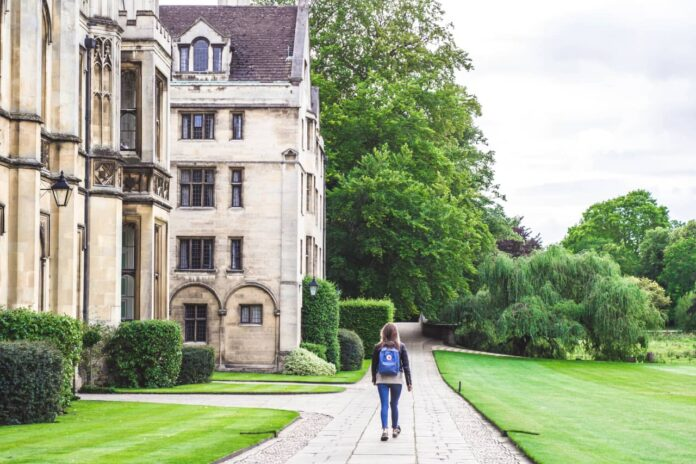 factors to consider when choosing a university degree